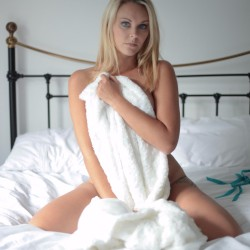 SWARVEMagazine   Becca Bell   Set   In Bed with Becca  12 of 13